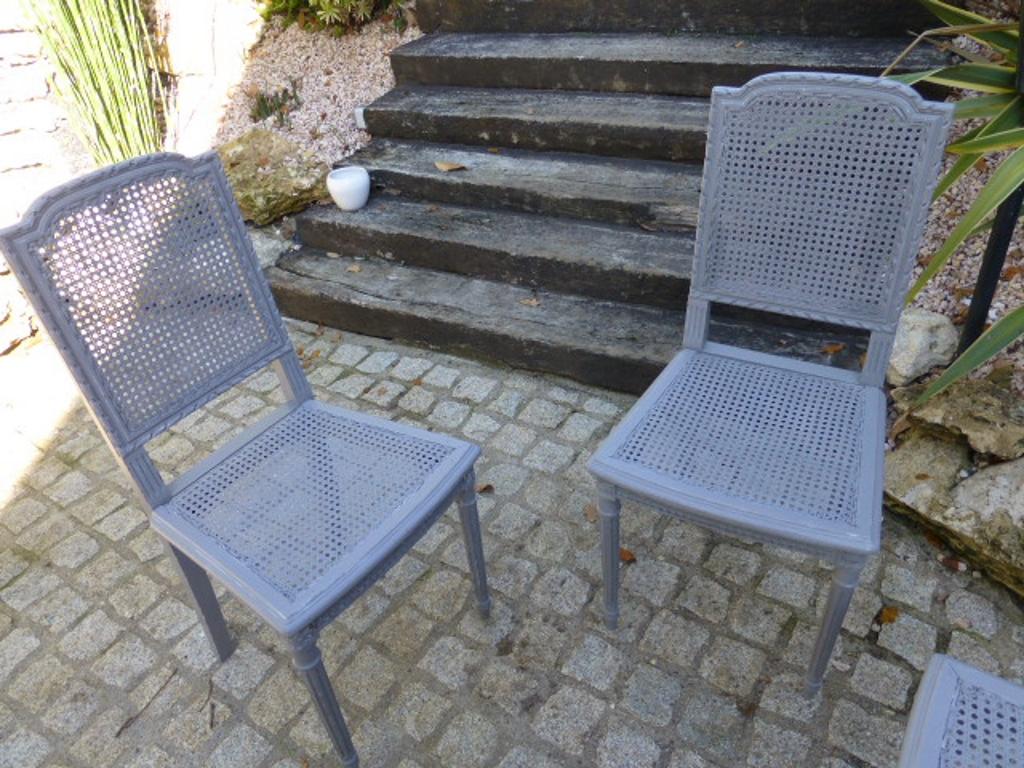 7 chaises