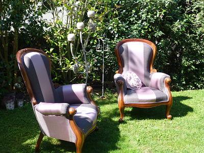 2 fauteuils refaits à neuf avec tissu d'ameublement